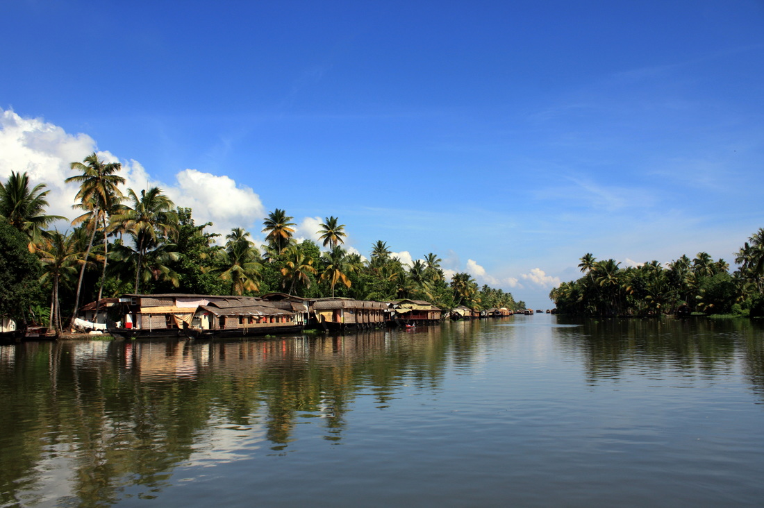 Scenic beauty of Alleppey Houseboats